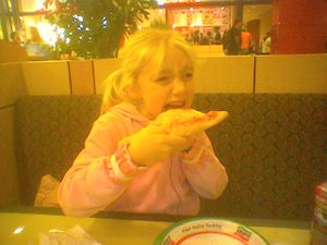 20061207_lauren_pizza